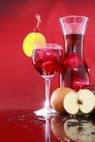Carafe della sangria per due o punzone di frutta Fotografia Stock