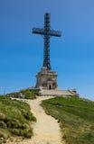 Caraiman十字架在Bucegi,喀尔巴阡山脉在罗马尼亚 免版税库存照片