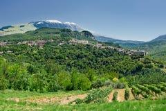 Caramanico liten by i abruzzo & x28; Italy& x29; Royaltyfria Bilder