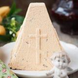 Caramel Curd Paskha, dessert traditionnel de Pâques de Russe Photos stock