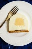Caramel and vanilla Yule log- slice Royalty Free Stock Photos