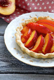 Caramelised peaches in tart Stock Photography