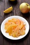 Caramelized куски яблока Стоковые Фото