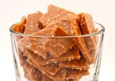 Caramella del sesamo in un piatto libero Immagine Stock