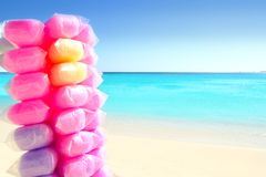 Caramella di cotone variopinta in spiaggia caraibica Fotografia Stock