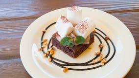 Caramella gommosa e molle e brownie Fotografie Stock