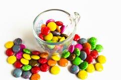 Caramella sui dolci bianchi della frutta di background Fotografia Stock Libera da Diritti