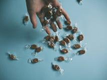 Caramelle del caramello disponibile Fotografie Stock Libere da Diritti