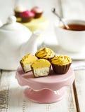 Caramelle di cioccolato Bigné della torta di formaggio del limone Fotografia Stock Libera da Diritti