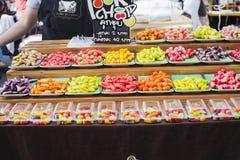 Caramelle dolci variopinte di Lukchub da vendere fotografia stock
