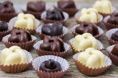 Caramelle fatte a mano del cioccolato Immagine Stock Libera da Diritti