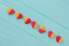 Caramelle a forma di del cuore variopinto Fotografie Stock Libere da Diritti