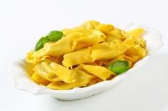 Caramelle formade välfylld pasta Arkivbild