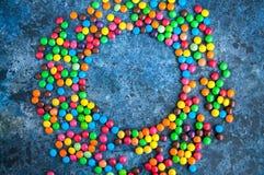 Caramelle rotonde variopinte Fotografia Stock