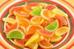 Caramelle variopinte della gelatina di frutta (primo piano) Immagini Stock
