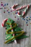 Caramelo Cane Christmas Tree Fotos de archivo