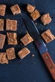 Caramelo caseiro tradicional do caramelo, corte em cubos dos quadrados Imagem de Stock Royalty Free