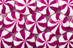 Caramelo coloreado en el fondo blanco Fondo del caramelo foto de archivo libre de regalías