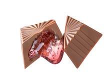 Caramelo de chocolate con el relleno actual imagen de archivo