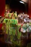 Caramelo de la Navidad en el mercado contrario Foto de archivo libre de regalías