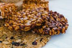 Caramelo mexicano tradicional de Palanqueta con los cacahuetes crujientes fotografía de archivo libre de regalías