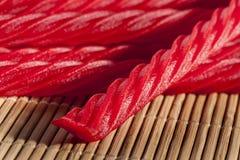 Caramelo rojo brillante del regaliz Fotos de archivo