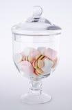 Caramelos. caramelos coloridos en el tarro de cristal Imagen de archivo libre de regalías