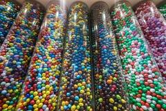 Caramelos coloridos del chocolate Imágenes de archivo libres de regalías