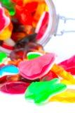 Caramelos coloridos en un tarro de cristal Imágenes de archivo libres de regalías