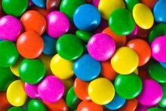 Caramelos de chocolate coloridos Imagen de archivo