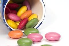 Caramelos de chocolate coloridos Imagen de archivo libre de regalías
