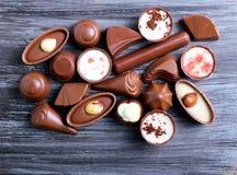 Caramelos de chocolate de muchas clases Fotos de archivo libres de regalías