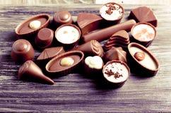 Caramelos de chocolate de muchas clases Fotografía de archivo