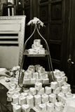 Caramelos de la boda, hermoso y elegante Fotos de archivo libres de regalías