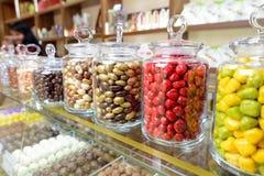 Caramelos en tarro Imágenes de archivo libres de regalías