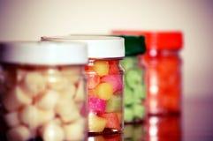Caramelos en tarros Imagen de archivo