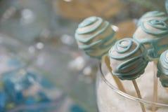 Caramelos festivos para las huéspedes fotos de archivo