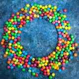 Caramelos redondos coloridos Imágenes de archivo libres de regalías
