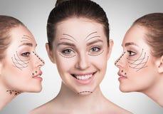 Caras da jovem mulher com setas de levantamento Imagem de Stock