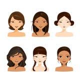 Caras das jovens mulheres com vários penteados e grupo da pele ilustração do vetor