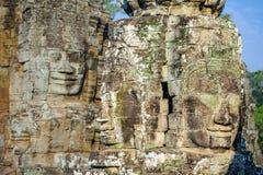 Caras de pedra no templo do bayon em Siem Reap, cambodia 4 imagens de stock