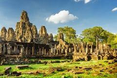 Caras de piedra gigantes del templo de Bayon en Angkor Thom, Camboya Fotografía de archivo libre de regalías