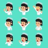 Caras femeninas de la enfermera de la historieta que muestran diversas emociones libre illustration