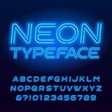 Carattere blu di alfabeto del tubo al neon Lettere oblique e numeri di colore al neon illustrazione vettoriale