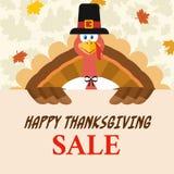 Carattere della mascotte del fumetto dell'uccello della Turchia del pellegrino che tiene un segno felice di vendita di ringraziam royalty illustrazione gratis