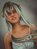 Carattere di fantasia con capelli d'argento illustrazione vettoriale
