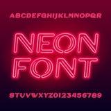 Carattere vibrante di alfabeto del tubo al neon Lettere e numeri di maiuscola al neon di colore illustrazione di stock