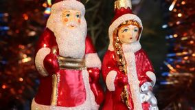 Caratteri della celebrazione del nuovo anno Decorazione dell'albero di Natale archivi video