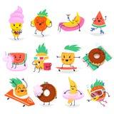 Caratteri svegli della frutta di estate divertendosi e rilassandosi Fotografie Stock Libere da Diritti