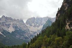Caratteristiche bianche del calcare delle dolomia, Italia Fotografie Stock Libere da Diritti